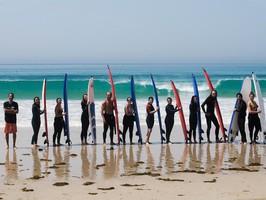Lecon et stage de surf en groupe à Tarifa